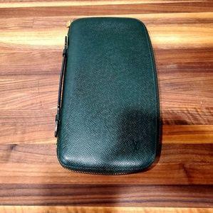 Louis Vuitton taiga leather organizer clutch